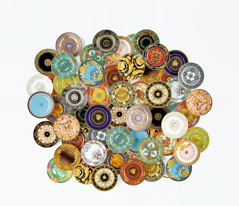用杯盤說故事!VERSACE推出25款經典神話設計瓷器