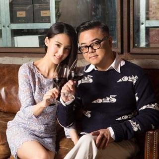 時尚名模宋紀妍與先生的夫妻微醺之趣