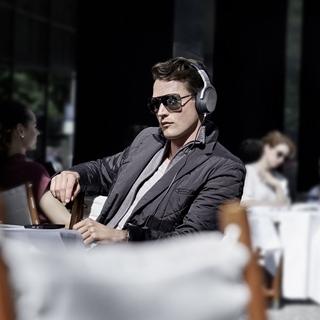 音響瘋聯名 聽音樂也可以超時尚