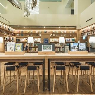 過年閒閒來這兒踩春──世界最美書店姊妹店