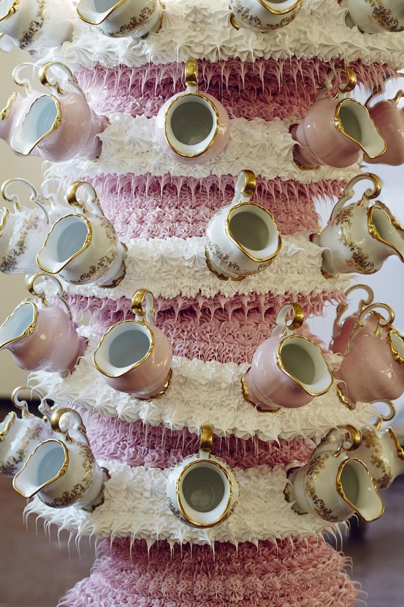 奶油與瓷器的結合.堆疊出洛可可美的藝術。