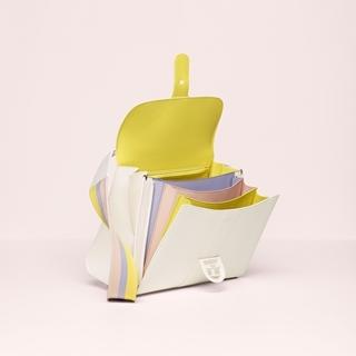 Delvaux把彩虹裝進了包裡