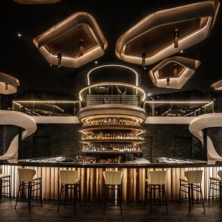 明亮開放流線設計 KOR Taipei Bar找回與...