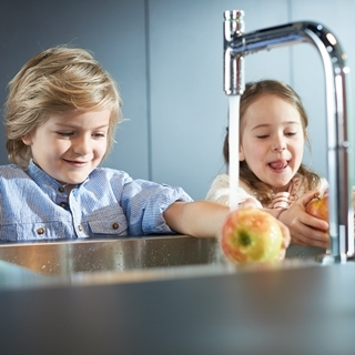 時尚又安全!廚房也可以是親子同樂的遊戲室