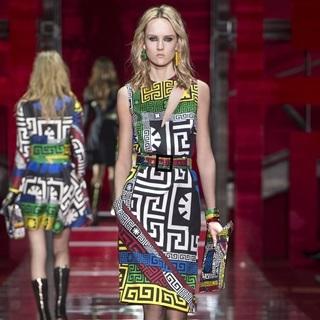 米蘭秋冬時裝周直擊!Versace鮮明色彩演繹未來
