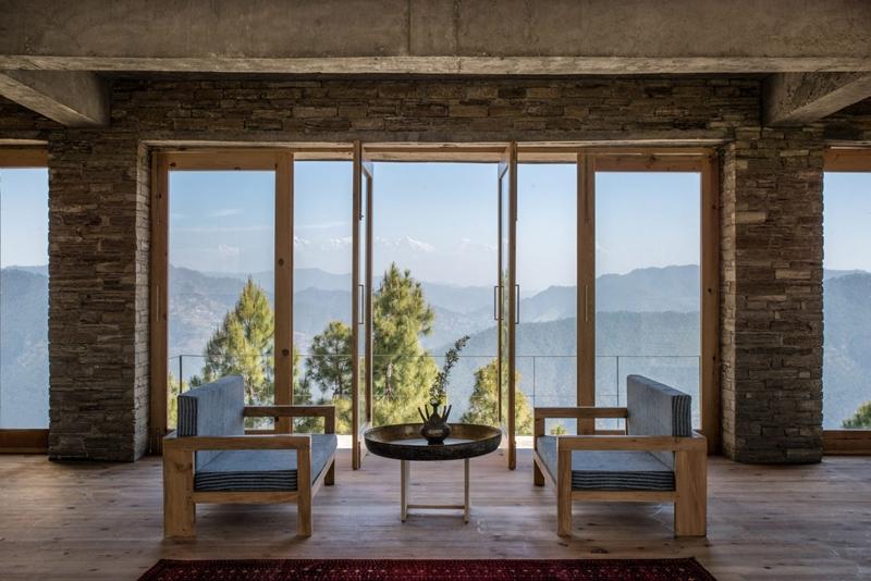 隱居深林、與喜馬拉雅山對望!竹子與磚瓦構成的精品飯店