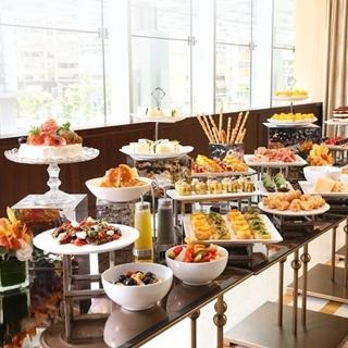 米蘭老店COVA推出周末早午餐限定,夢幻小點等你來享...
