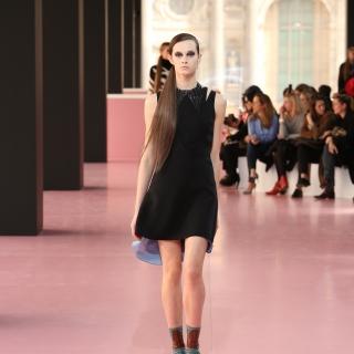 2015 巴黎時裝周 Dior大膽展現野性女人魅力