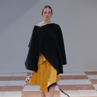 露與不露 Celine巴黎時裝周的浪漫實用主義