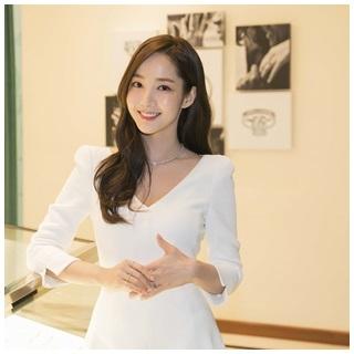 韓國人氣女星朴敏英演繹Tiffany True訂情鑽...