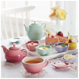 春意盎然 配合季節心情妝點出粉嫩色系餐具