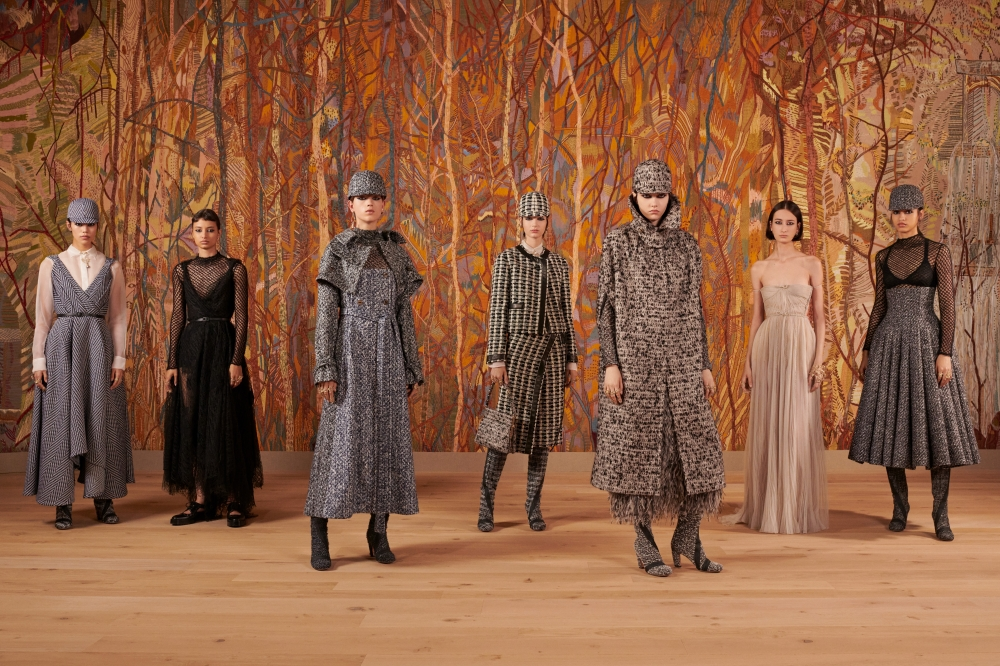 Dior 2021秋冬高訂系列!絕美秀場搭工藝服飾,述說高訂的細膩美學