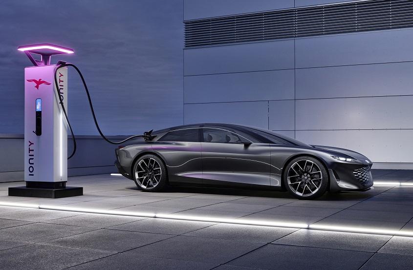 屬於妳的轎跑新世代  不僅零碳還更具時髦科技感