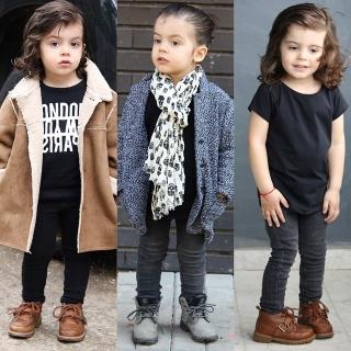 時尚萌娃又一發!2歲小男孩帥氣打趴一堆歐爸