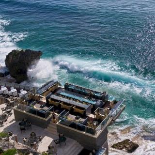 非去不可!全球景色最好的10間酒吧!
