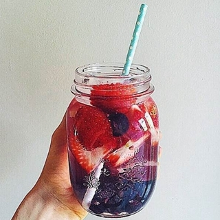 DIY 天然水果排毒水 讓喝水不再乏味!