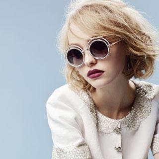星二代青春無敵!莉莉蘿絲戴普登上Chanel太陽眼鏡...