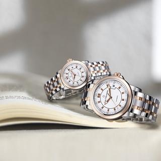 情侶對錶紀錄永恆時間